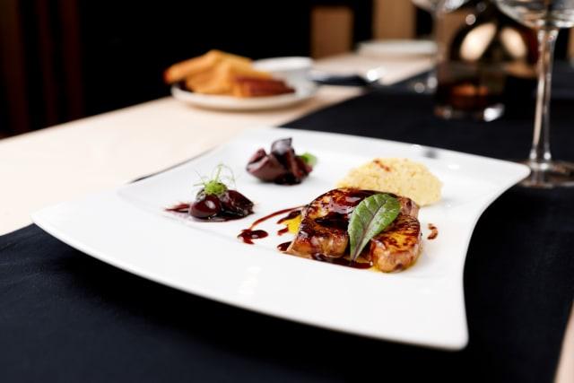 Etika yang Wajib Dipatuhi Saat Makan di Restoran Prancis (347759)
