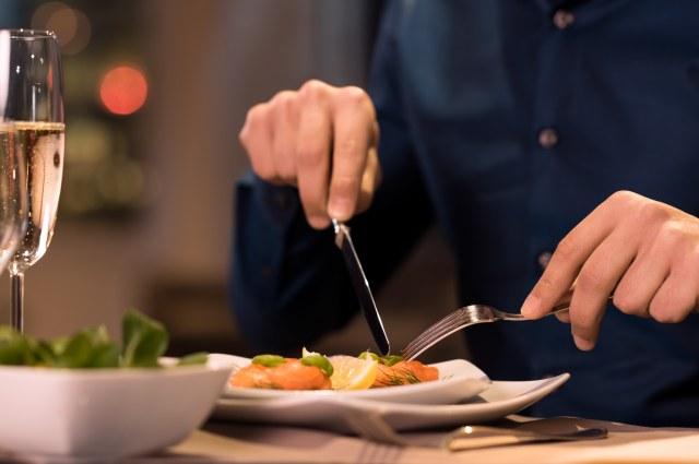 Etika yang Wajib Dipatuhi Saat Makan di Restoran Prancis (347766)