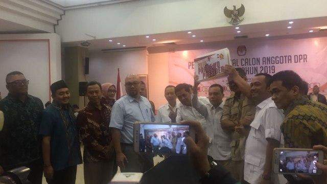 Partai Gerindra saat penyerahan berkas Caleg DPR