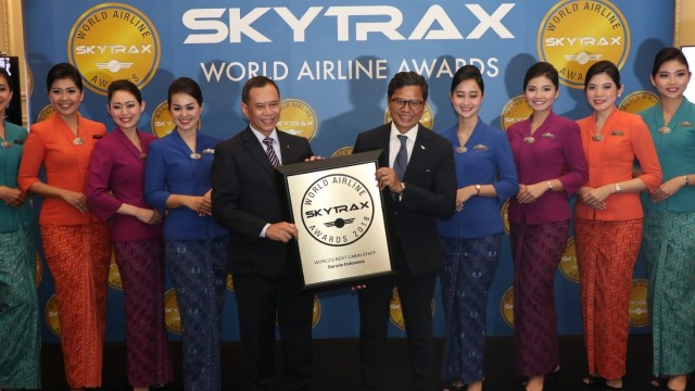"Garuda Indonesia Meraih ""The Worlds Best Cabin Crew"""