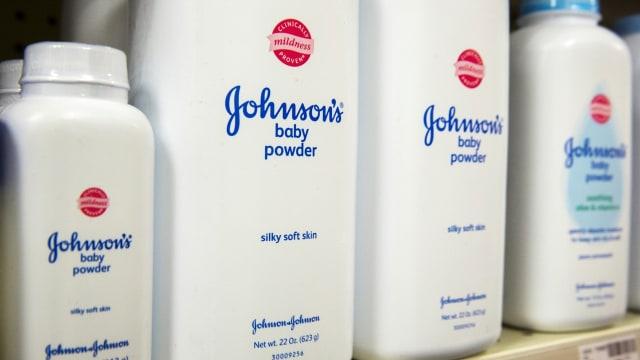Johnson & Johnson Diklaim Tahu Bedaknya Mengandung Zat Penyebab Kanker (79829)