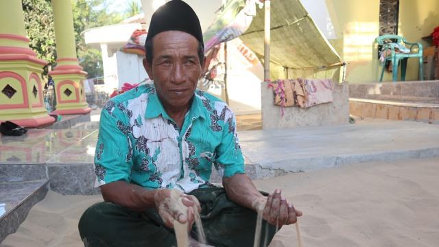 Tidur Beralaskan Pasir, Tradisi Unik Turun-temurun Warga Sumenep, Madura (382832)