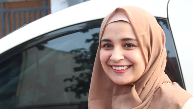 Zaskia Adya Mecca Vs Shireen Sungkar, Artis Muda Dengan