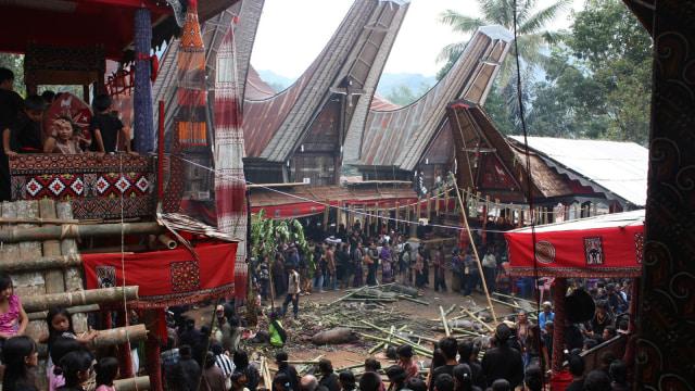 7 Ritual Unik Pemakaman di Indonesia, Rambu Solo