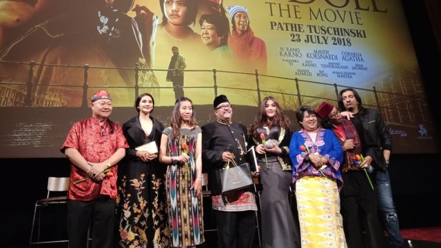 Rano Karno Kenang Benyamin Sueb di Gala Premiere 'Si Doel' di Belanda (10897)