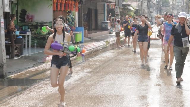 Mong Chin, Festival Songkran