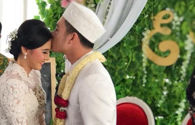 Eza Gionino Unggah Foto Pernikahannya di Instagram (1262682)