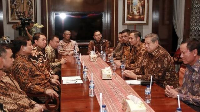 Lipsus Prabowo SBY Melawan, Prabowo Subianto, Susilo Bambang Yudhoyono, SBY