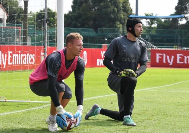 Bernd Leno dan Petr Cech