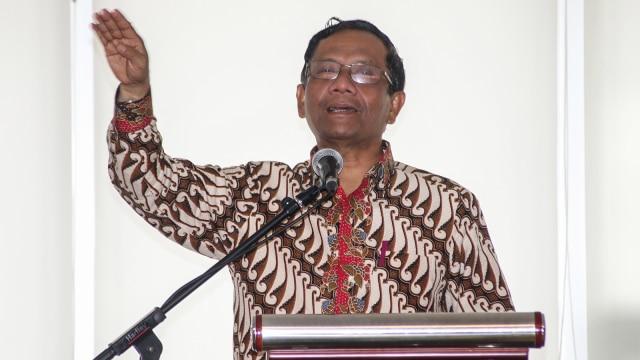 Jokowi di Pusaran Segitiga Bermuda (143642)