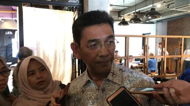 Manfaluthy Hakim