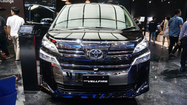 Berita Populer: Beda Toyota Alphard dan Vellfire, Starlet yang Lahir Kembali (523310)