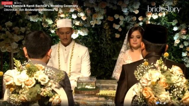 Jalinan Asmara Tasya Kamila dan Randi Bachtiar Berawal dari Dijodohkan (842176)