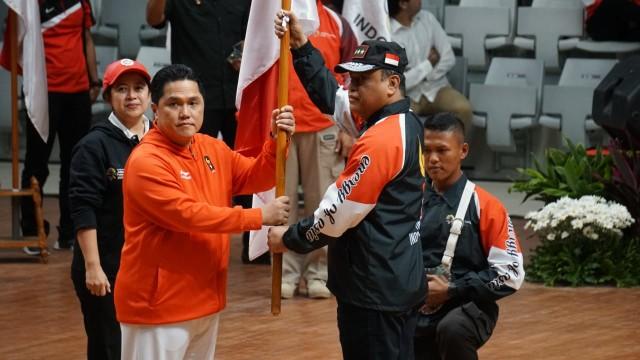 Puan Maharani (Kiri), Erick Thohir (Tengah), Syafruddin (Kanan), Pengukuhan Atlet Indonesia Asian Games 2018