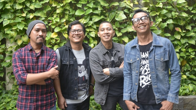 The Rain, Band The Rain, Tamu kumparan