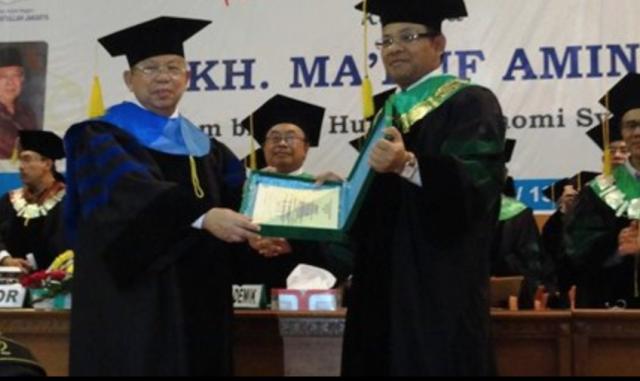 Ma'ruf Amin dan Gelar Profesor Doktor Bidang Ekonominya (59429)