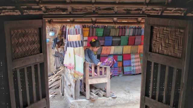 Kampung Suku Sasak Sade, Lombok Tengah