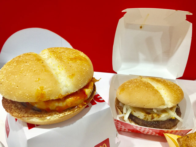 Burger Balado dan Burger Rendang