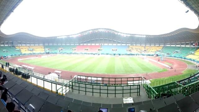 Suasana Stadion Patriot Candrabraga