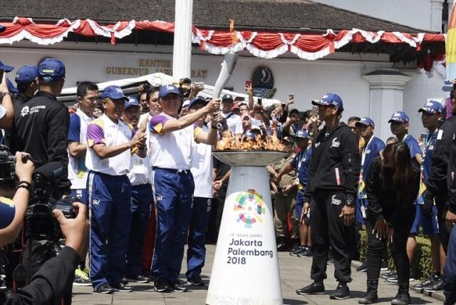 Obor Asian Games Dari Gedung Sate Menuju Garut (98899)