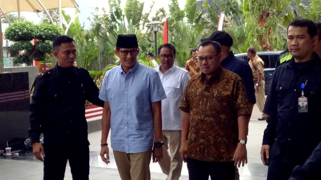 Riuh Perang Jubir Jokowi vs Prabowo (30211)