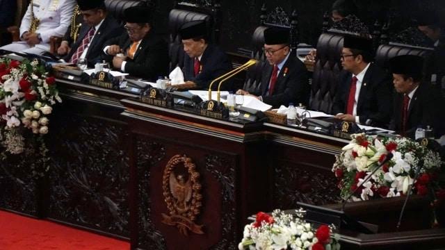 Riuh Perang Jubir Jokowi vs Prabowo (30208)