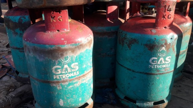 Gas Petronas dan Shell ukuran 14 dan 16, Pulau Sebatik