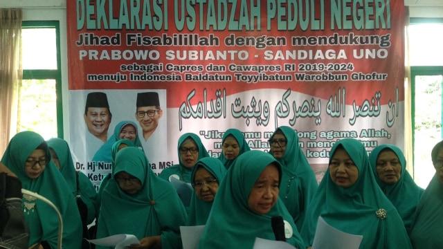 Emak-emak, Armada Andalan Prabowo-Sandi (827210)