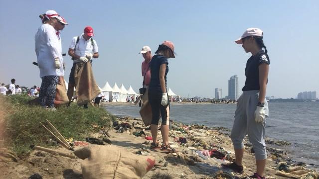 Pantai Ancol Jadi Lokasi Gerakan Bersih-bersih yang Digagas Susi (466685)