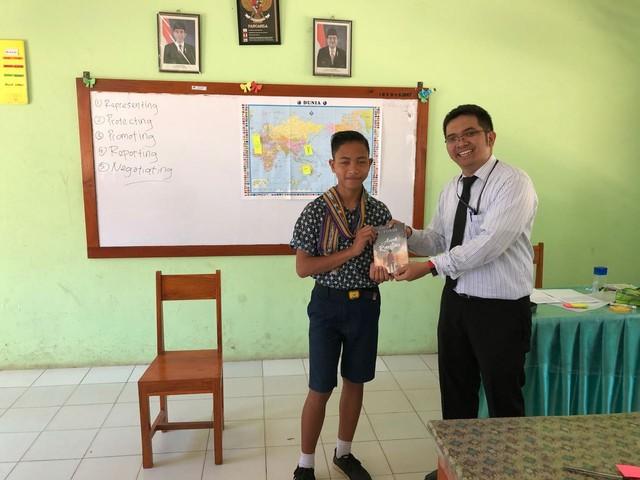 Kala Batas Negeri Menjadi Guru Terbaik (4570)