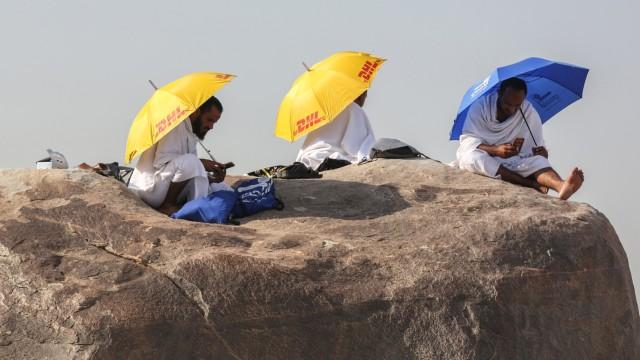 2.000 Jemaah RI Batal Berangkat Umrah karena Aturan Visa Baru Saudi  (10294)