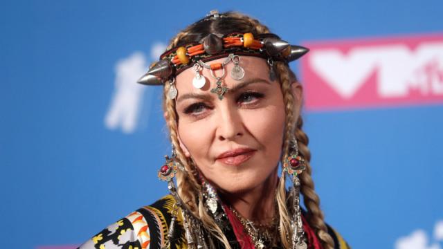 Tips Awet Muda Madonna di Usia 61 Tahun, Salah Satunya Berendam Es Batu (387558)