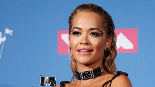 Rita Ora Akhirnya Minta Maaf Usai Gelar Pesta Ulang Tahun di Tengah Pandemi (36700)