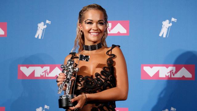 Rita Ora Dikecam karena Gelar Pesta Ulang Tahun di Masa Pandemi (17314)
