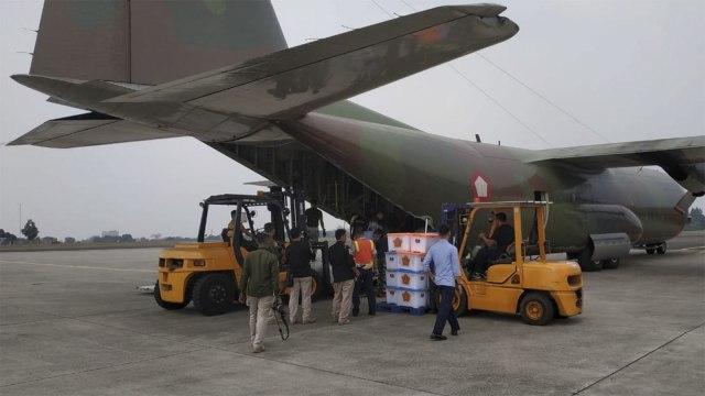 TNI Kirimkan 6 Ton Daging Kurban ke Lombok Gunakan Pesawat Hercules (479314)