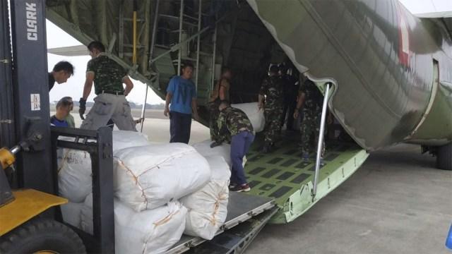 TNI Kirimkan 6 Ton Daging Kurban ke Lombok Gunakan Pesawat Hercules (479317)