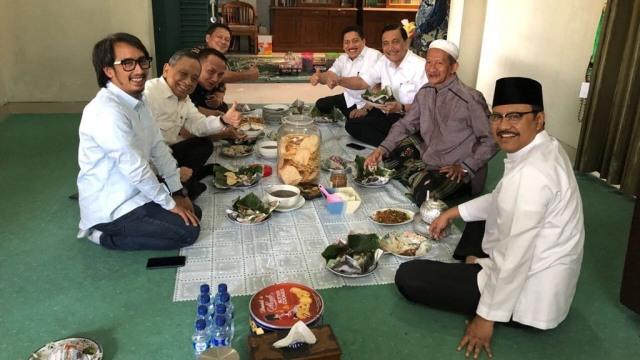 Sepak Terjang Bravo-5 Galang Suara Jokowi: dari Ulama hingga Pengusaha (361481)