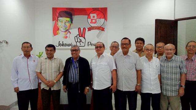 Suasana pertemuan di Markas Bravo 5 di Jakarta.