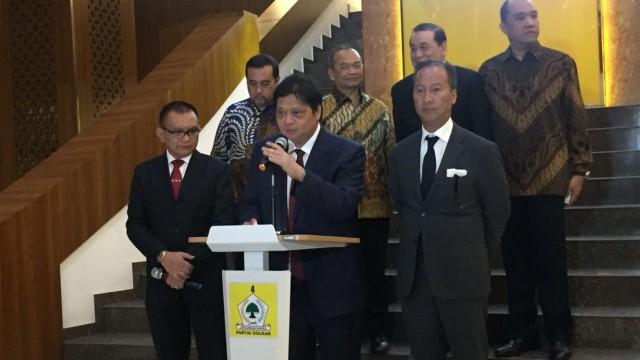 Golkar soal Reshuffle: Menteri Kami Sudah Bekerja On The Track (99730)