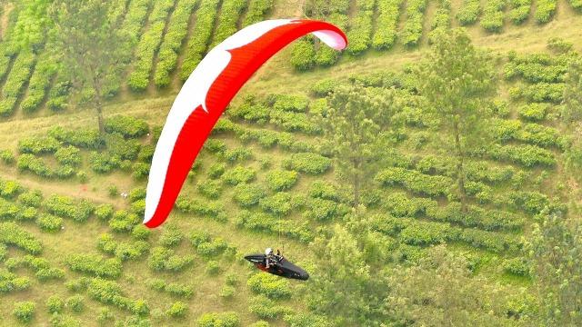 Cabor Paragliding di Puncak, Bogor