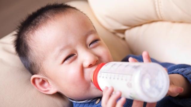 Bolehkah Susu Formula Gantikan Porsi Makan Anak? Ini Kata Dokter (179586)