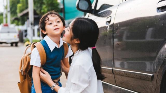 Cara Mengasuh yang Membuat Anak Bahagia (8092)