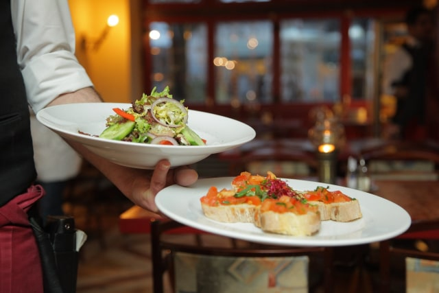 wko0f1jjyulyvleqxyhy - Jenis Jenis Service Di Restaurant