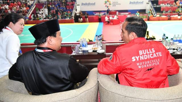 Mengintip 4 Gaya Jokowi saat Pakai Jaket Kekinian  (489269)
