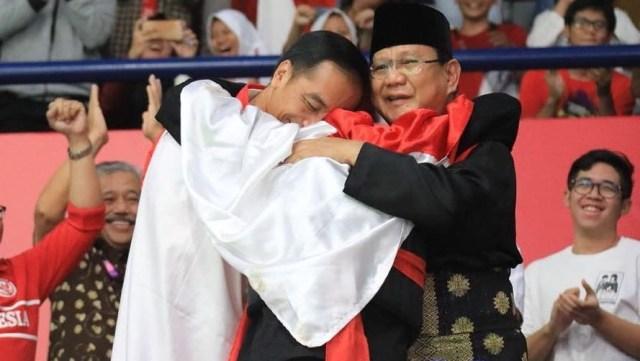 Ridwan Kamil Buat Lomba Foto Bertema 'Pelukan Jokowi-Prabowo' (521192)