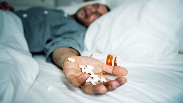 Ilustrasi bunuh diri, minum racun, racun
