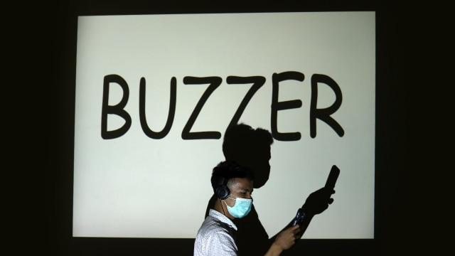 Mungkinkah Buzzer Mematikan Kepakaran? (53049)