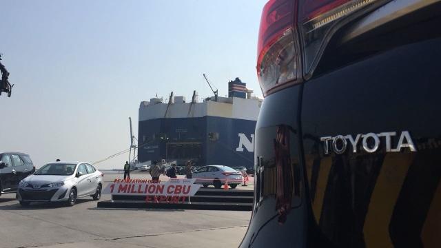 Toyota Fortuner dan Rush Buatan Indonesia Laris Manis di Luar Negeri  (87008)
