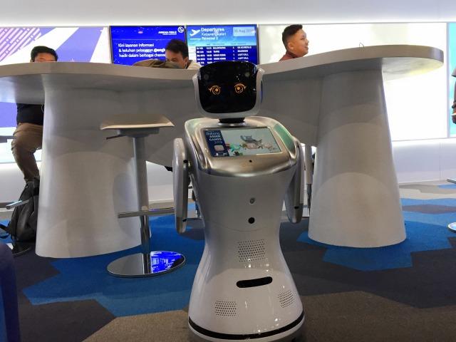 Robot Dilo di Airport Digital Lounge Bandara Soetta