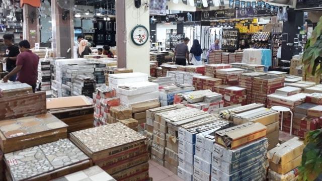 Industri Penjualan Keramik Terpukul Atas Pelemahan Rupiah (38854)